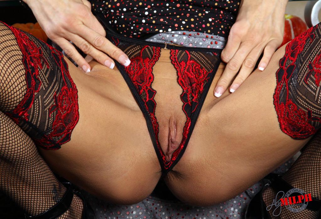 сексуальном белье порно фото