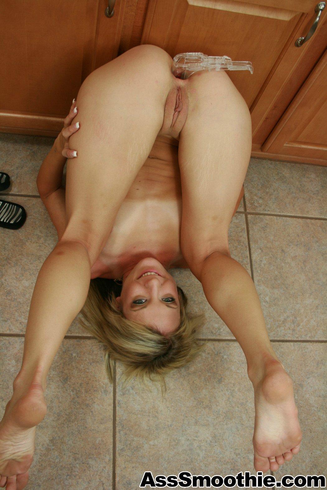 Round pussy hole
