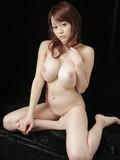 petite-japanese-model-with-big-form-tits-poses-in-her-bare-skin-in-the-dark