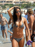 raven-haired-bikini-clad-celebrity-elisabetta-gregoraci-spends-a-day-on-the-beach