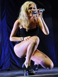blonde-haired-singer-pixie-lott-dressed-in-black-shows-off-her-sexy-legs