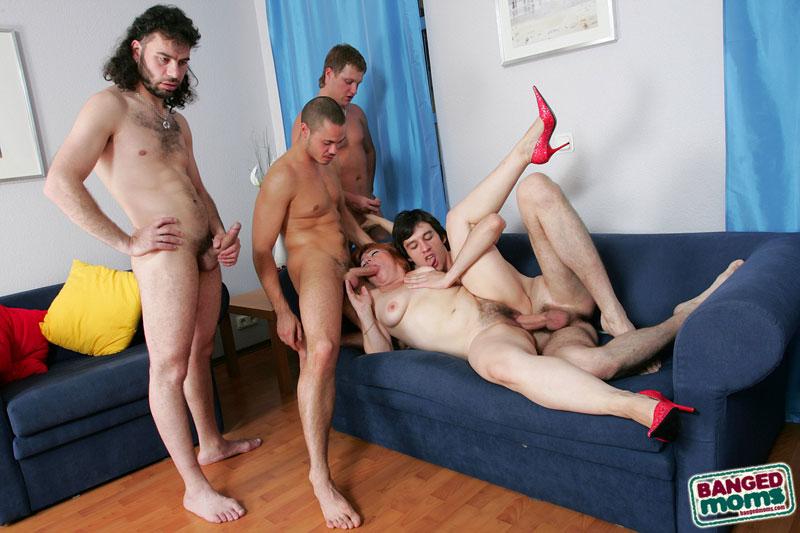 gruppovoy-seks-s-rizhey