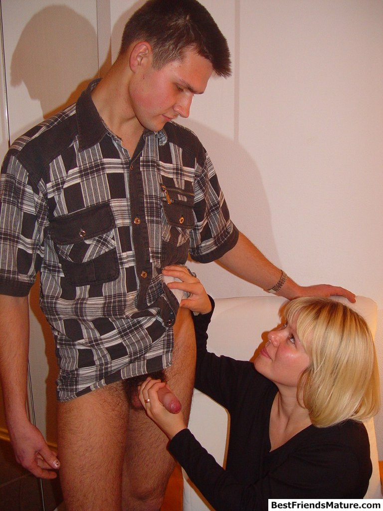 skinny boy has sex with big breasted mature blonde mom of his best