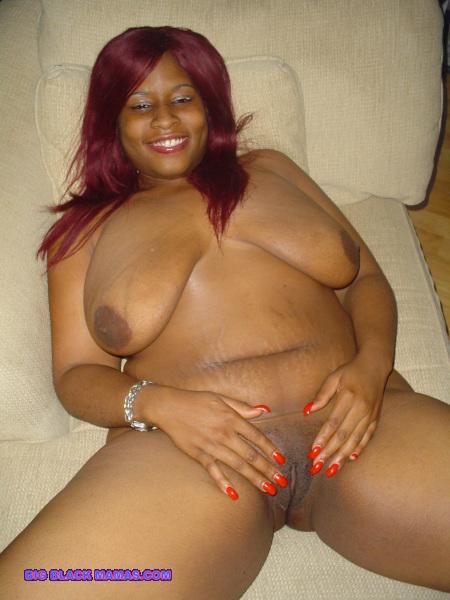 red-haired black mummy with thick body and saggy big tits shows her