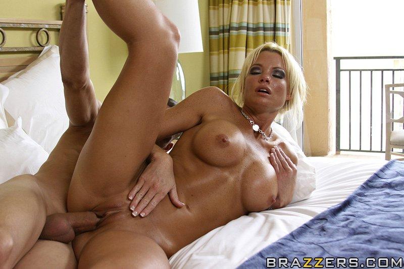 Секс brazzers в отеле