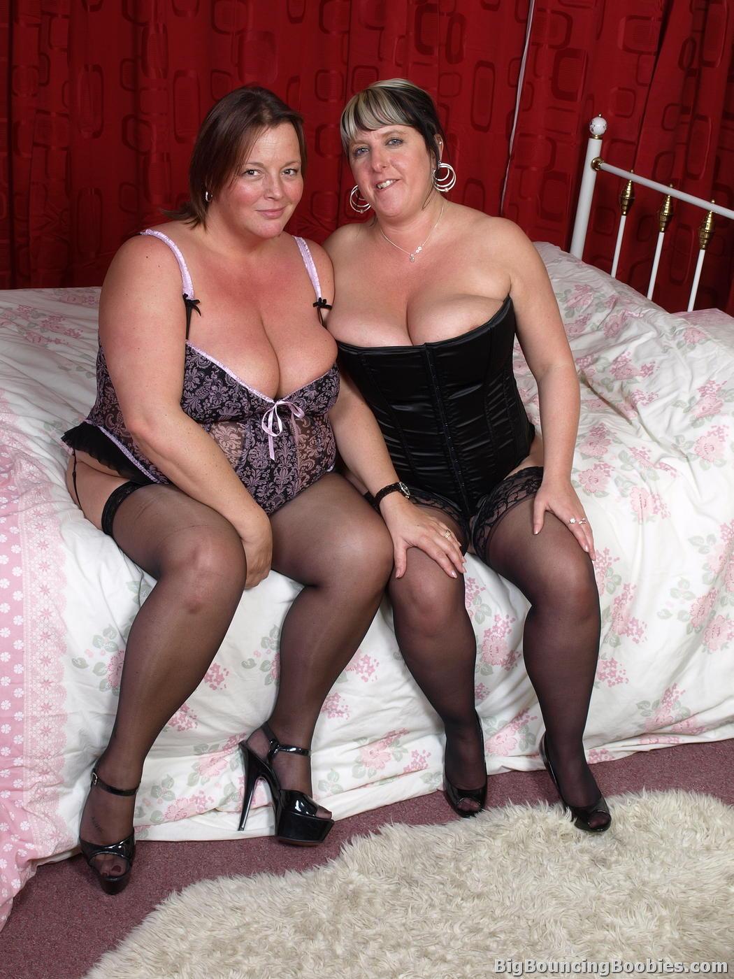 Толстушка лесбиянки порно эротика 24 фотография