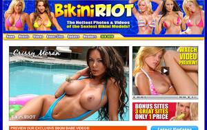 bikiniriot-com
