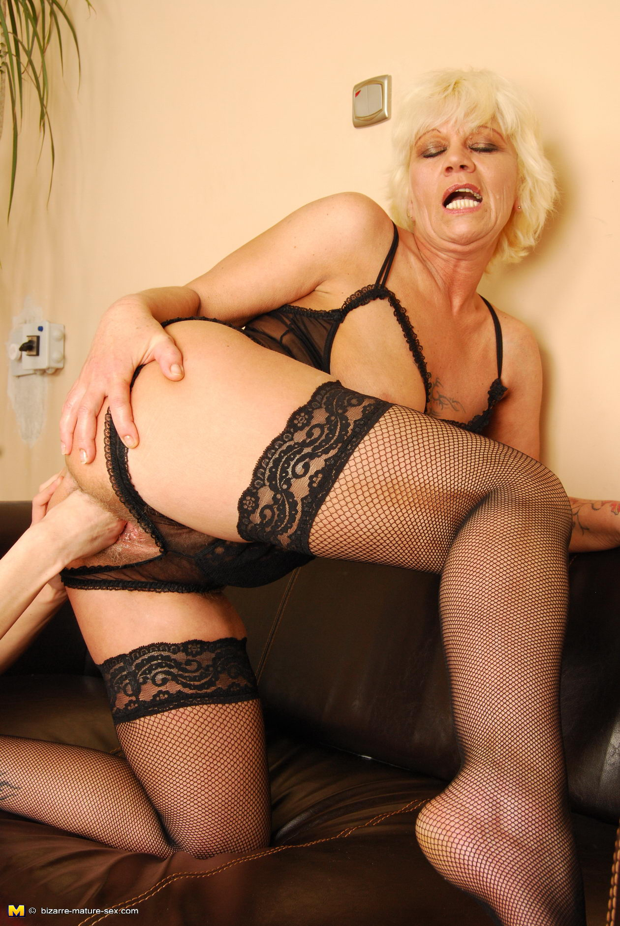 image Loose milf getting fisted and fucked