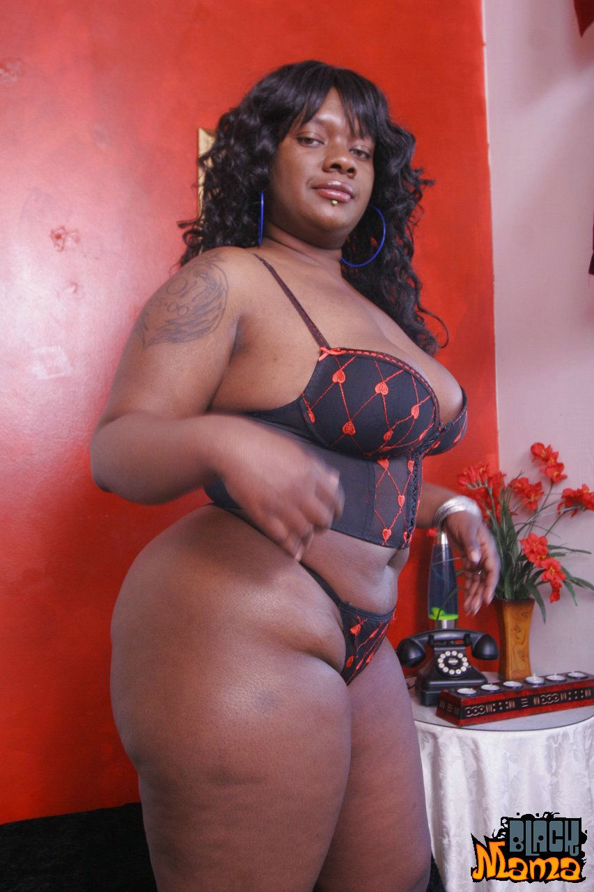 Free pics thick black tits — photo 8