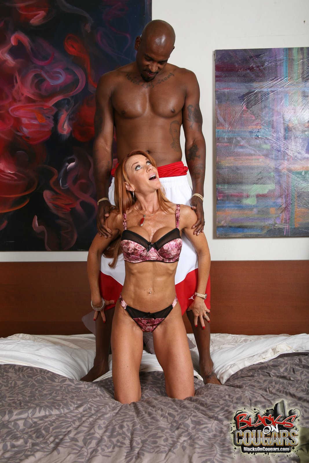 Wife sex huge toy insertion