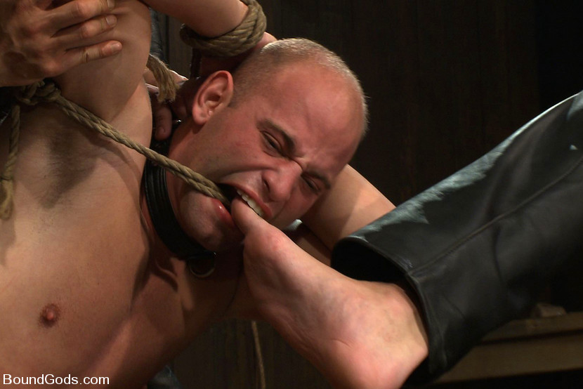 dungeon-master-for-gay-bdsm