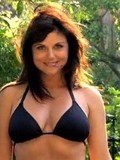 dark-haired-lady-tiffani-aamber-thiessen-looks-incredibly-sexy-in-black-bikini-top