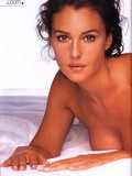 curvy-black-haired-actress-monica-bellucci-loves-to-pose-naked-for-glamour-photographers