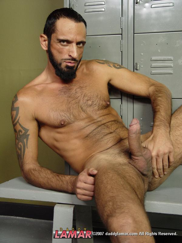 Bearded Skinny Daddy Shows Off His Nude Ass And Masturbates In The Locker Room