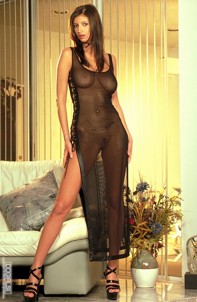 Платье на голом теле порно фото