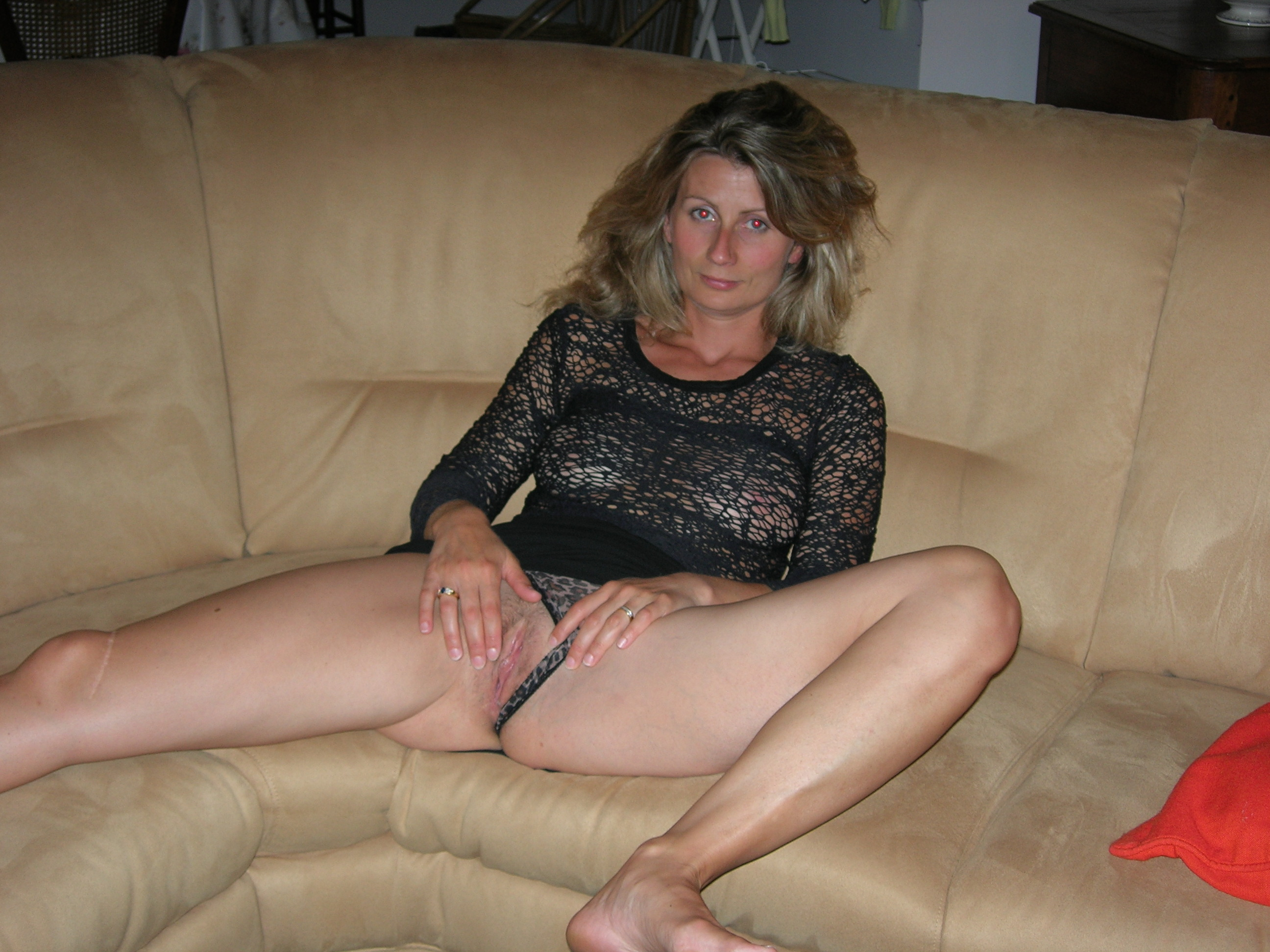 naughty amateur mom with slim body shows you her tits and shaved