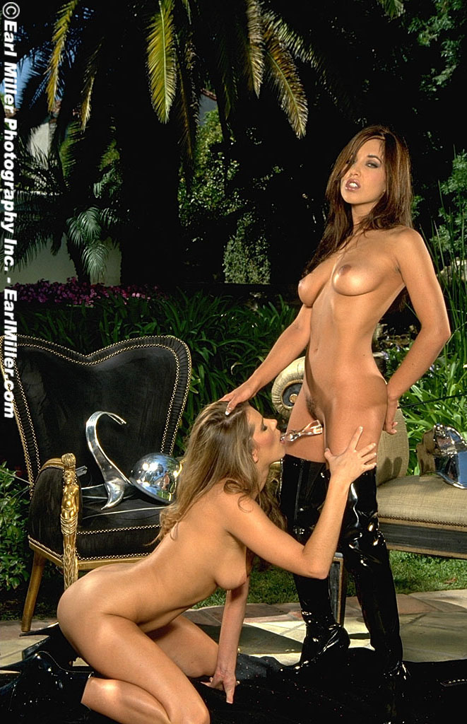 Lesbian Strap On Fuck On The Web