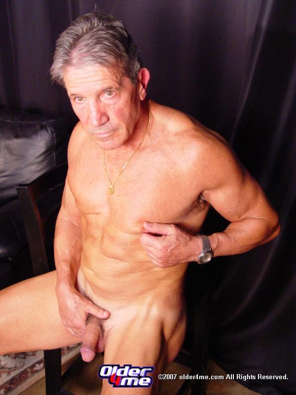 Mature Gay Shows His Dong