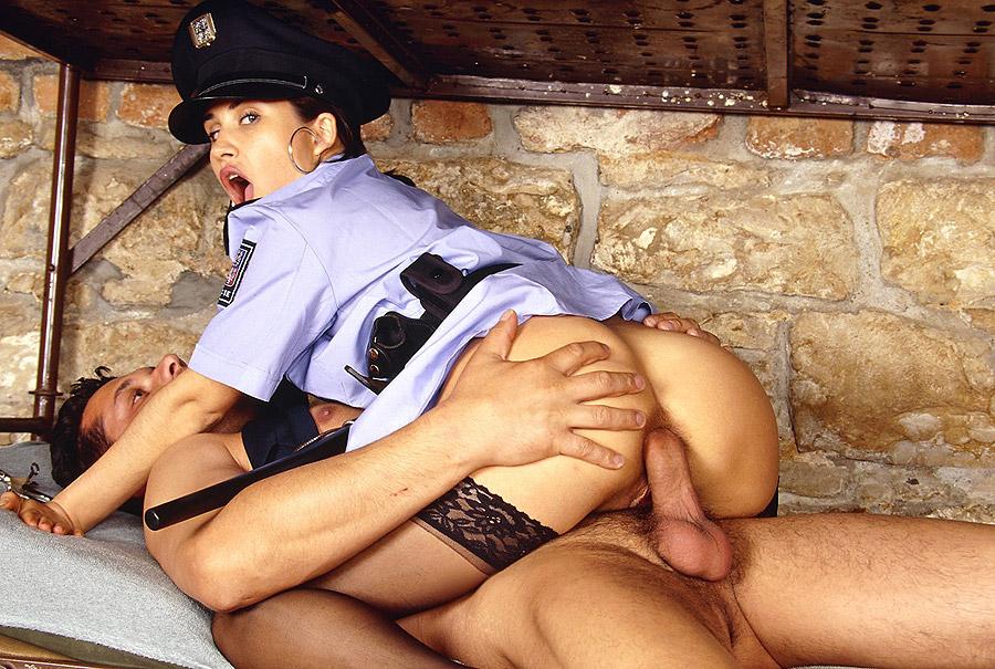 полнометражное порно в униформе онлайн