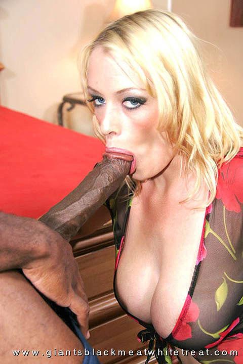 Ultra long black cock filled an anus