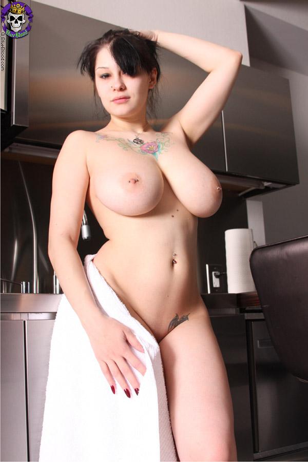 Glam lesbians toy ass
