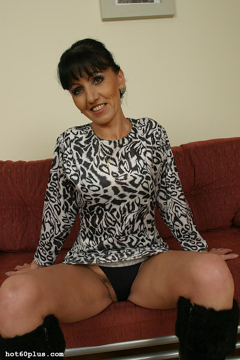 Mature brunette hairy pussy over — photo 1