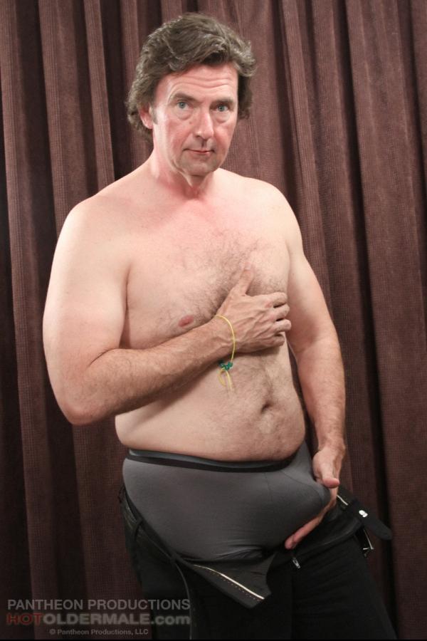 black-older-hot-male-naked