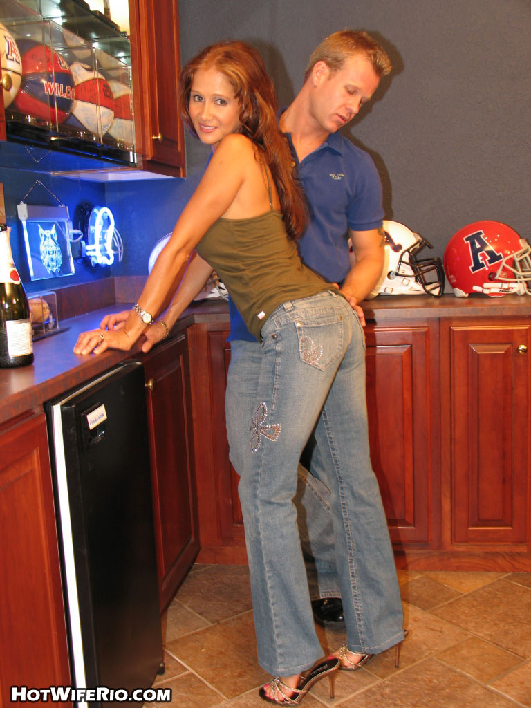 Wife Rio In Jeans