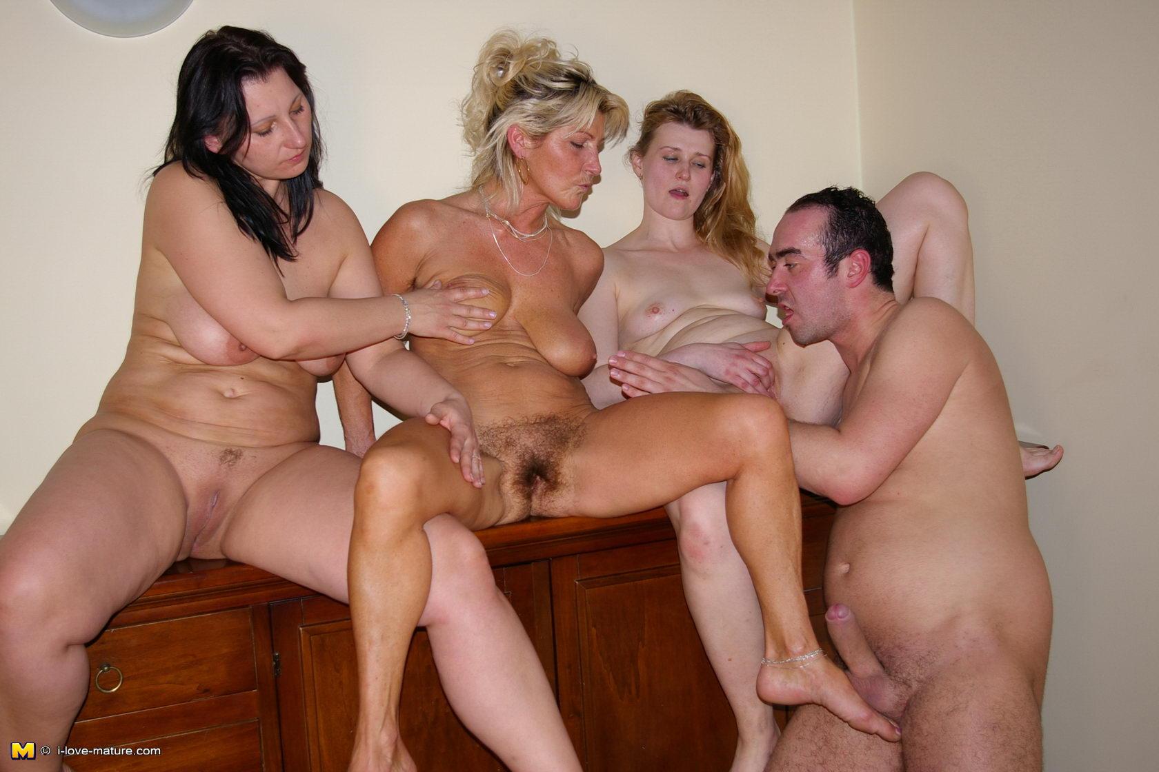 групповуха зрелых женщин.