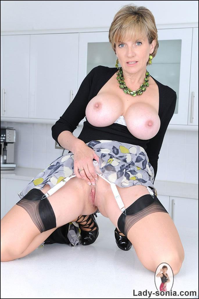 Lady Sonia Nylon