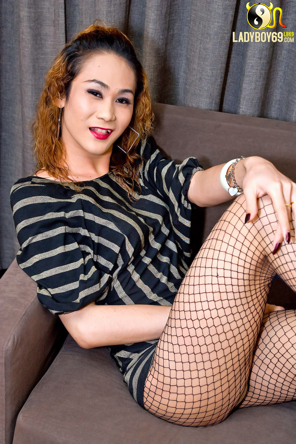 Asian shemales wearing pantyhose pictures — 12