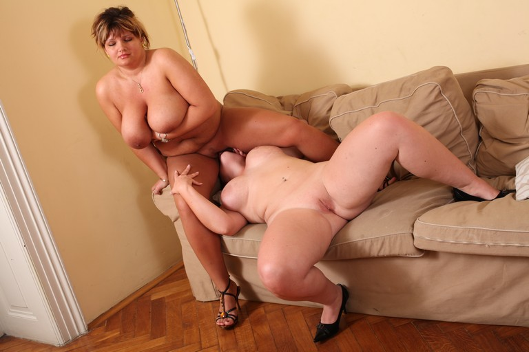 Chunky girls lesbian