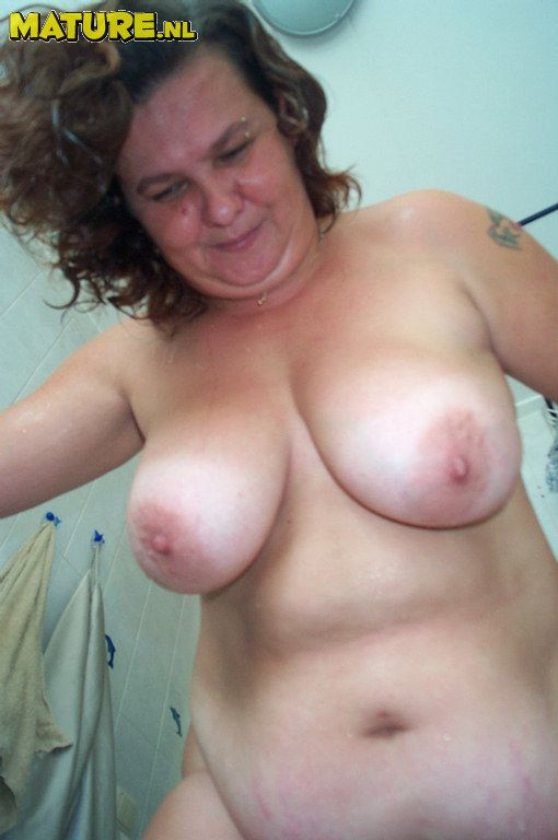 fat-mature-wife-nude