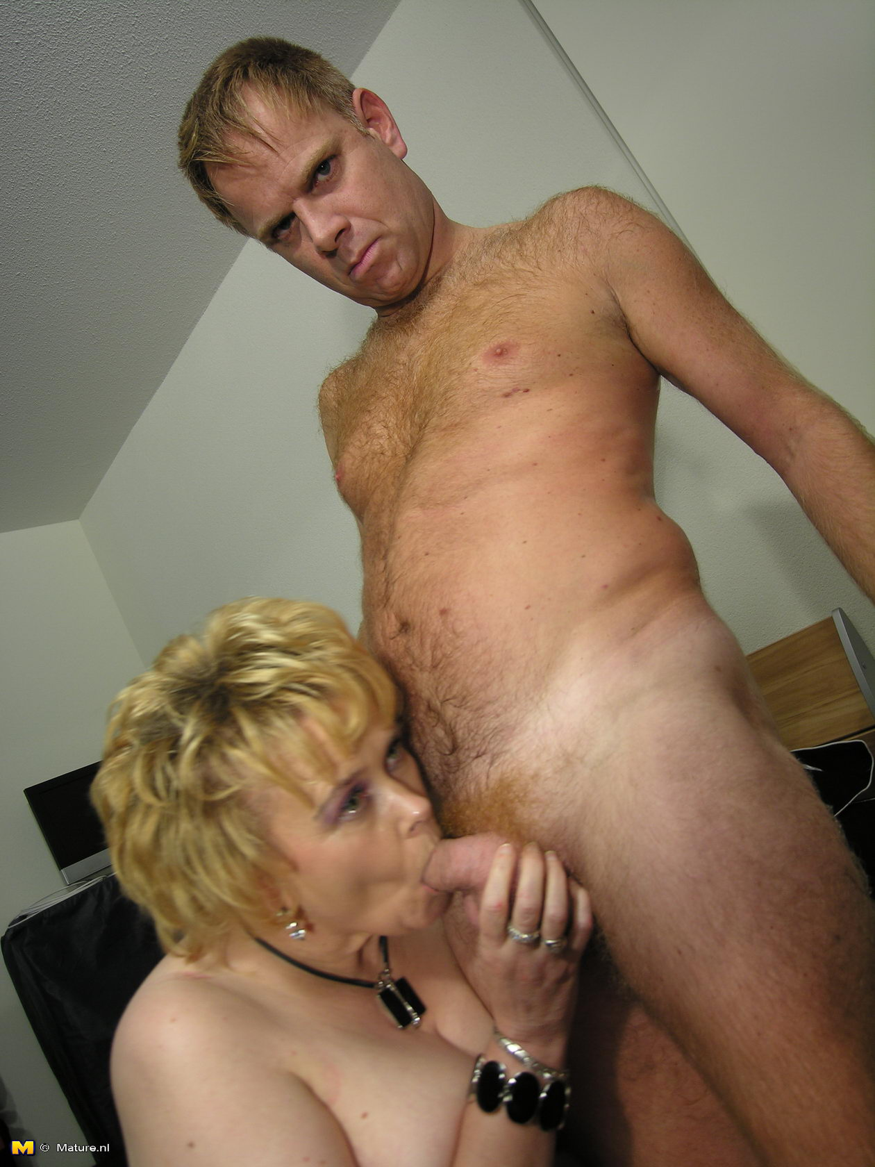 harlot blonde mature with flabby stomach blows guy??™s piston and