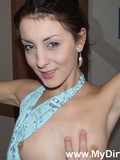 skinny-girlfriend-gets-nude-gives-blowjob-and-gets-her-tight-bald-pussy-stuffed