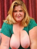 shameless-blonde-plumper-shows-her-huge-pink-nippled-breasts-and-hairless-puffy-pussy