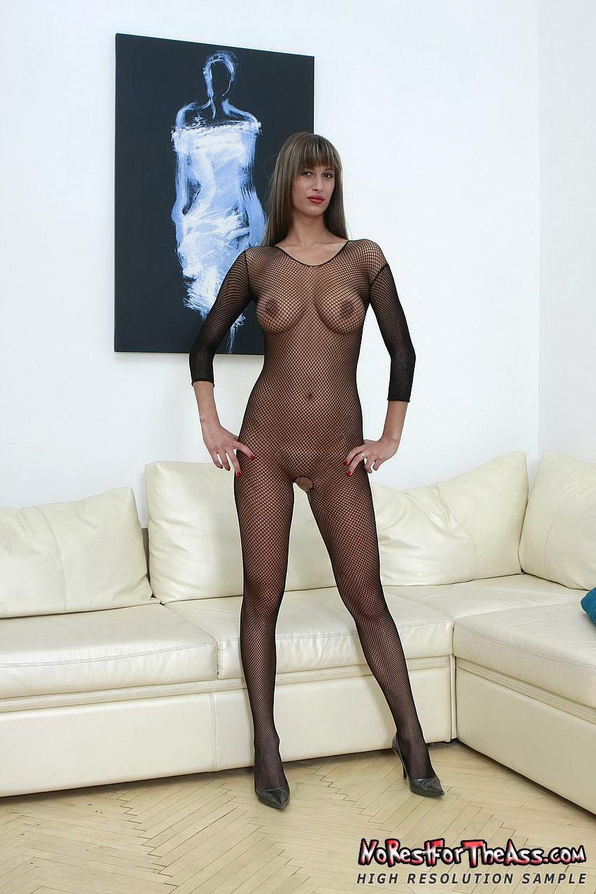 naked girl on jungle beach