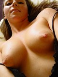 beautiful-amateur-lady-with-well-shaped-firm-boobs-and-hairless-young-pussy