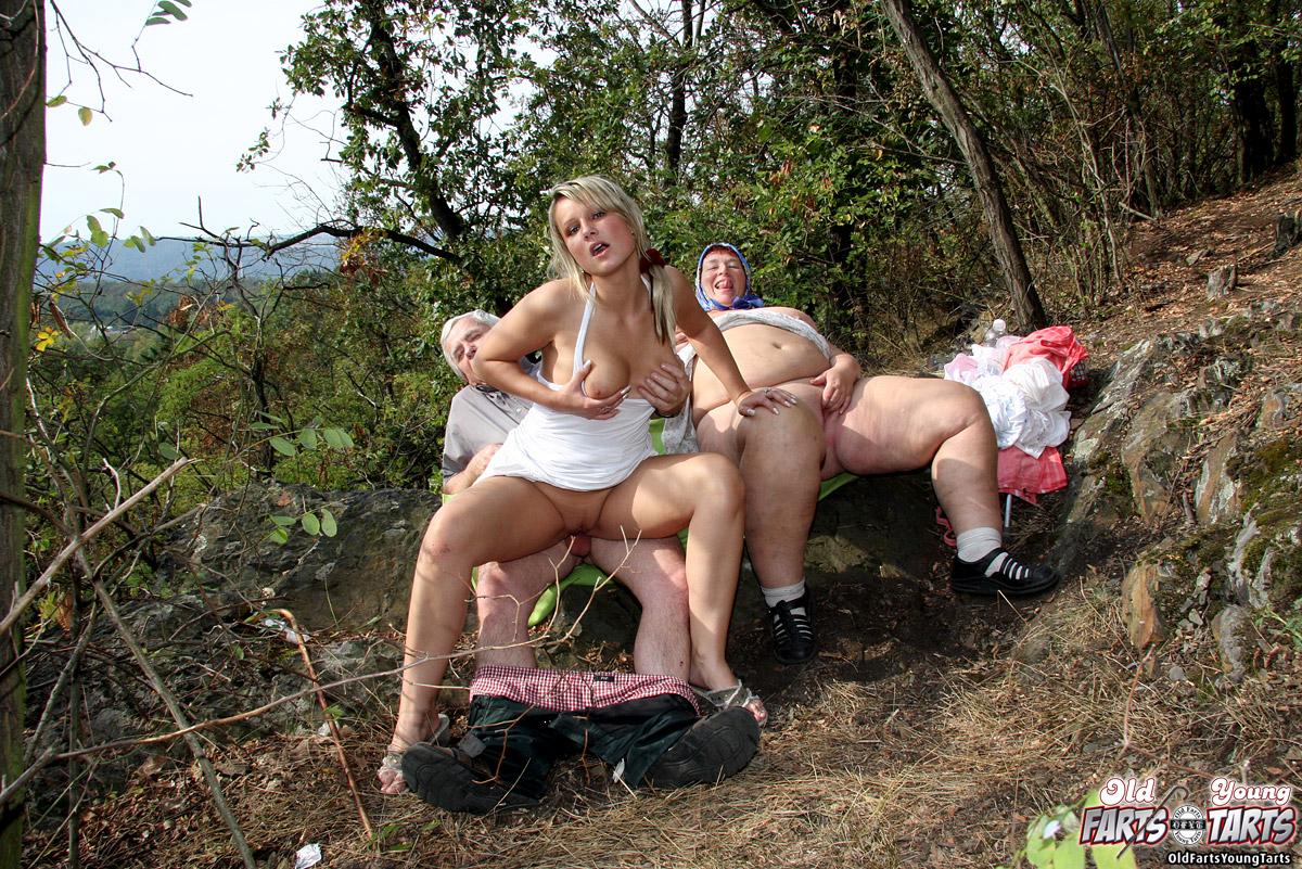 Групповуха фото в порно  смотреть групповуху бесплатно на