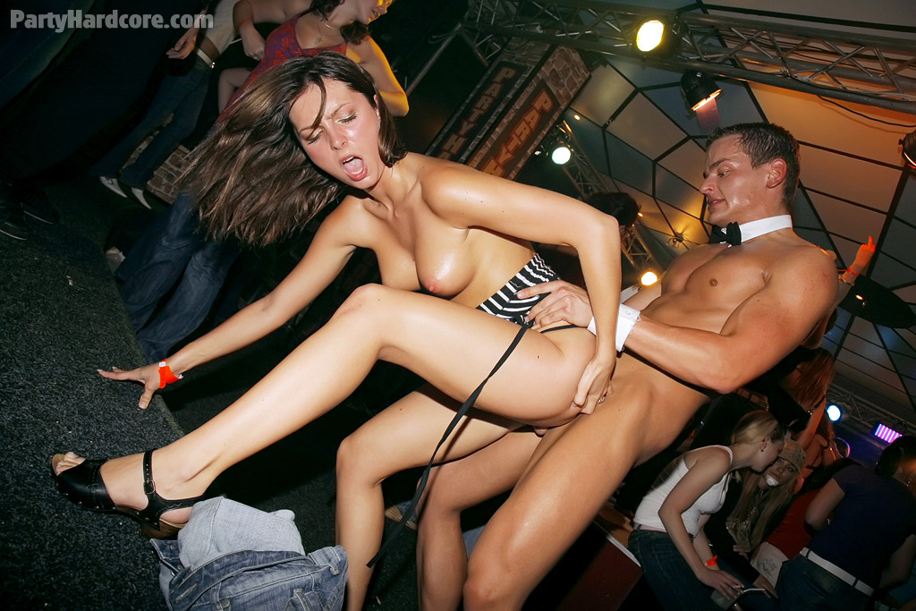 party-hardcore-fucking-olivia-del-rio-free-porn-forum