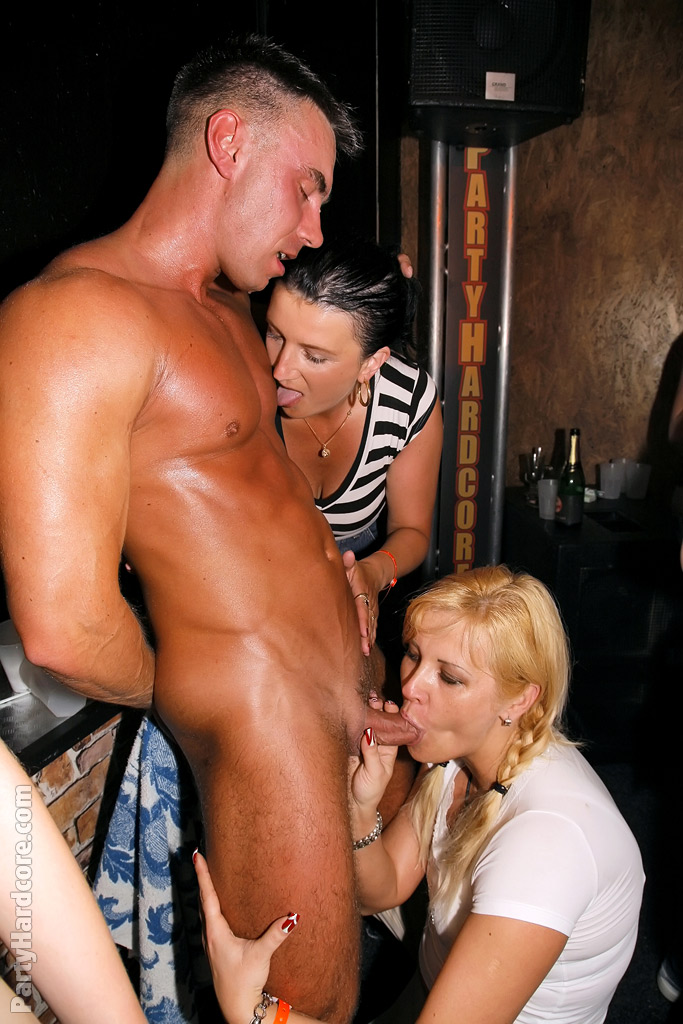 nude-stripper-sex-party
