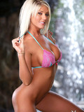 babyfaced-platinum-blonde-blonde-with-breathtaking-wet-body-removes-her-pink-bikini