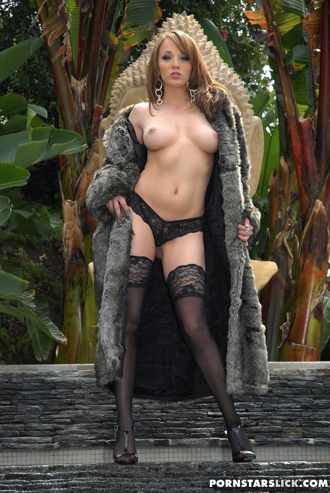 naomi russel nude pics
