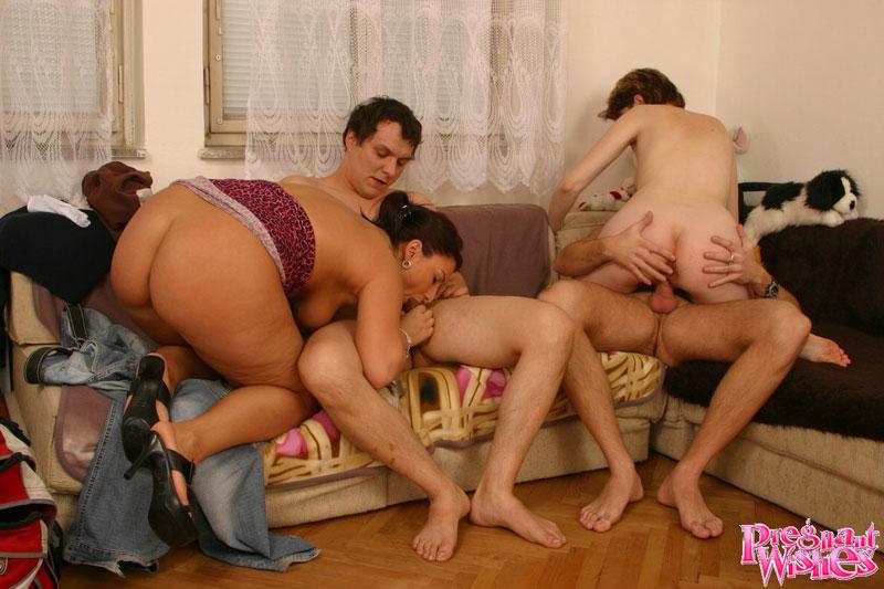 Групповое порно - видео русская групповуха, секс оргии