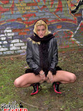 blonde-girl-shows-her-shaved-snatch-and-gets-mouth-fucked-outside-in-a-peopless-place