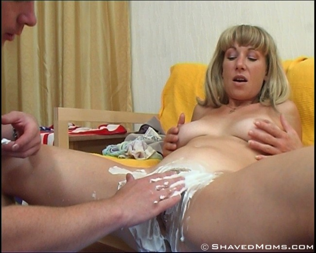 Milf hairy pussy being shaved