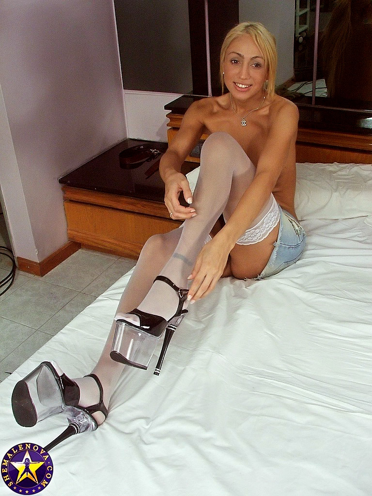 Shemale in white stockings