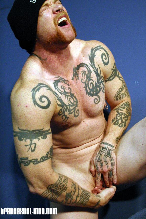 Girls getting pussy tattooos nude