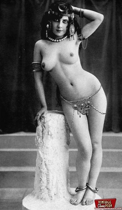 nude-curvy-models
