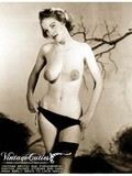 black-and-white-photos-of-charming-vintage-ladies-posing-in-lingerie-and-naked